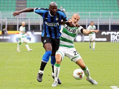 El Inter empata 3-3 un partido loco con el Sassuolo