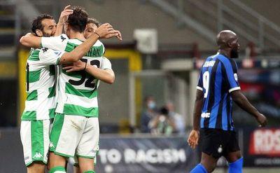 Inter empata y se aleja del liderato