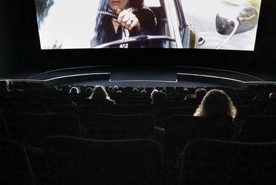 Con reapertura de salas de cine, Hollywood ensaya su futuro