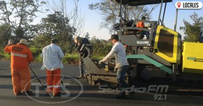 Nuevo asfaltado que une Natalio con Puerto Paloma alcanzó 70% de avance