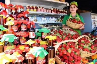 Este domingo se inaugura la Expo Frutilla en Estanzuela • Luque Noticias