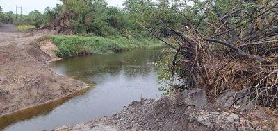 Desvían cauce del riacho Mosquito para llegar a establecimiento ganadero del Chaco