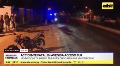 Motociclista muere arrollado y conductor responsable se da a la fuga