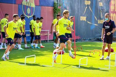 Busquets y Sergi Roberto reaparecen en el Barcelona