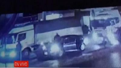 En pleno tráfico asaltaron a tiros a camionero
