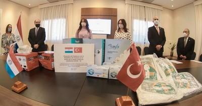 Salud recibe 281 mil insumos médicos donados por el Gobierno de Turquía