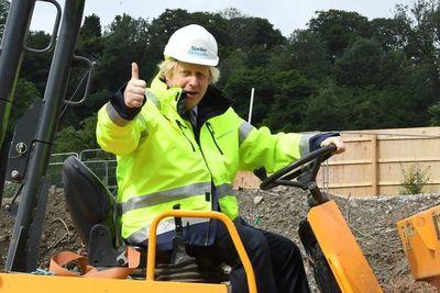 Boris Johnson anuncia masivo plan de inversión para relanzar la economía británica