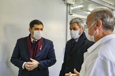 Presidente de la República realizó recorrido en laboratorio de bioseguridad del Senacsa