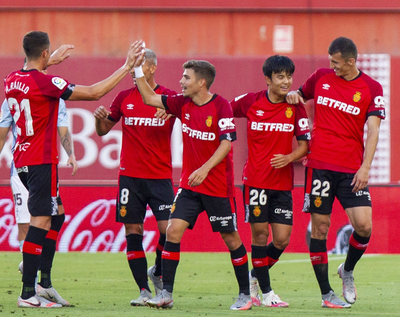El Mallorca golea y sueña con la permanencia