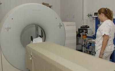 Pacientes denuncian que hay déficit de tomografías