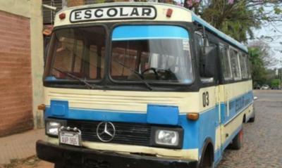 HOY / Transportistas escolares afirman que el gobierno los tiene abandonados