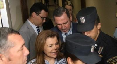 Juez ordenó libertad ambulatoria para Zacarías Irún y Sandra McLeod