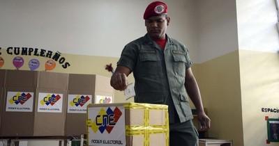 Elecciones parlamentarias en Venezuela serán el 6 de diciembre, con boicot opositor