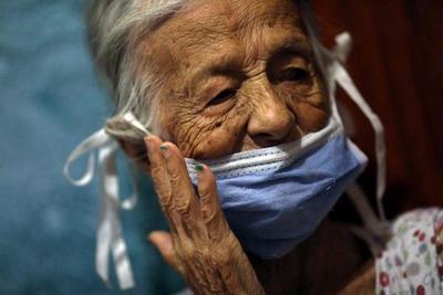 Ministro de Salud advierte que hay aumento de casos de COVID-19 en niños y adultos mayores