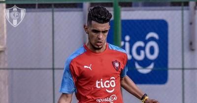 """""""Chiqui"""" recupera a su goleador Ronaldo Martínez"""