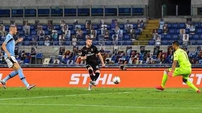 Lazio fue goleado por Milan y deja vía libre a la Juventus
