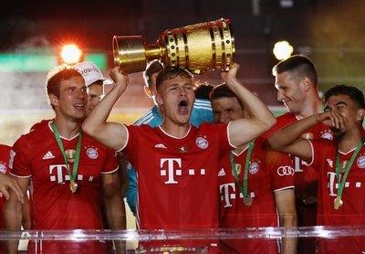 Otra copa para el Bayern Múnich que ya sueña con el 'triplete'