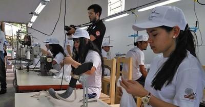Paraguay necesita desarrollar a sectores económicos, según FMI