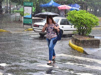 Meteorología anuncia lluvias dispersas para este domingo