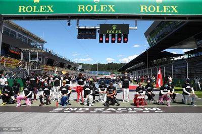 Varios clavan la rodilla antes del GP de Austria
