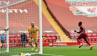 HOY / Liverpool pasa la resaca y hunde al Aston Villa