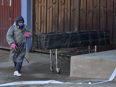 Bolivia: un hombre murió en la calle con síntomas de Covid y el cadáver quedó casi 20 horas hasta que lo retiraron