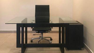 METDeco imprime un estilo industrial y minimalista en los muebles (pensados para el home office)