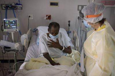 La pandemia satura los hospitales de EE.UU.