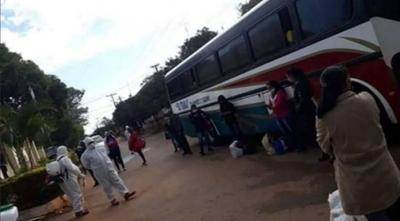HOY / Paciente con Covid-19 abordó bus porque fue echada de su inquilinato