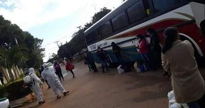 Mujer con COVID-19 viajó en bus luego de ser echada de su trabajo y de inquilinato