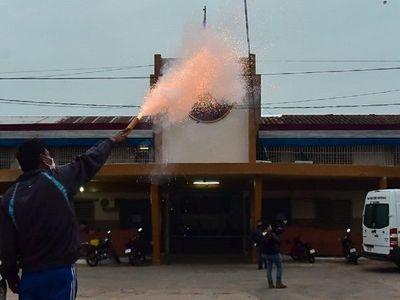 Reos de Tacumbú culminan protesta tras diálogo con la ministra de Justicia
