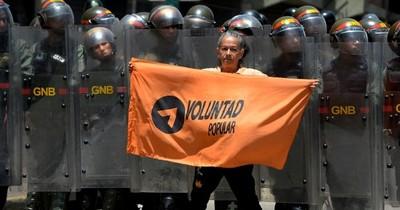 Máxima corte de Venezuela suspende directiva del partido político de Guaidó