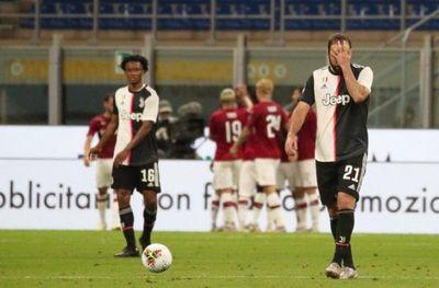 Juventus desperdicia un 2-0 y cae 4-2 ante el Milan