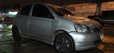 Caballo suelto provocó dos accidentes sobre Acceso Sur