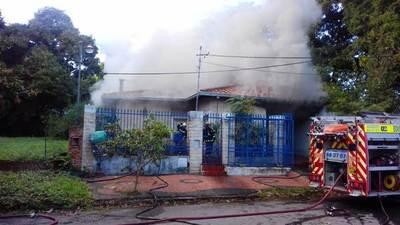 Joven sufre quemaduras de segundo grado durante incendio domiciliario en Luque • Luque Noticias