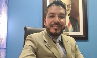 Diputado Portillo defiende su nuevo estudio universitario