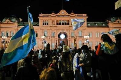 Argentina: Multitudinario banderazo en contra del Gobierno