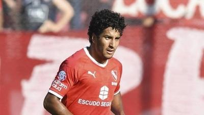 HOY / FIFA multa a Independiente por el caso Cecilio Domínguez