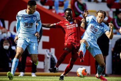 Liverpool se relaja ante Burnley y cede un empate