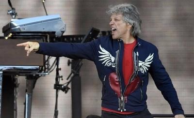 """HOY / Bon Jovi denuncia muerte de George Floyd en nuevo tema """"American Reckoning"""""""