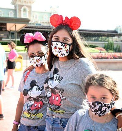 Disney reabrió parques pese al avance la pandemia