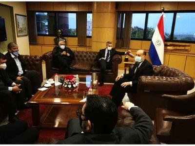Abdo abre un frente de negociación con el G7 y el bloque del cartismo