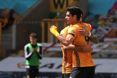 Raúl Jiménez guía el triunfo del Wolves