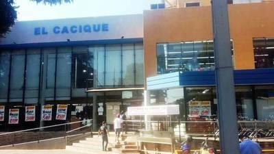El Cacique cierra su local y entra en cuarentena hasta el 26 de julio por casos de coronavirus • Luque Noticias