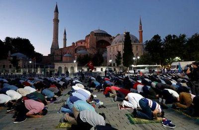 El Papa, muy dolido por la decisión turca de convertir Santa Sofía en una mezquita