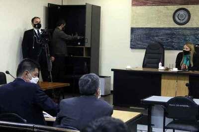 Fiscalía pide que se confirme la imputación de Efraín Alegre