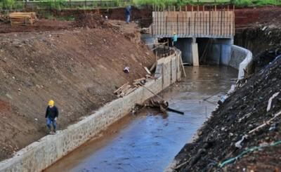 Binacional prevé solución definitiva al problema de drenaje del km 5,5