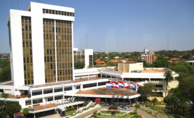 HOY / Municipalidad rompe contrato con empresa panameña que se iba a encargar de cobro de impuestos