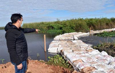 Temen que con barrera de geobolsas aumente  la contaminación del lago