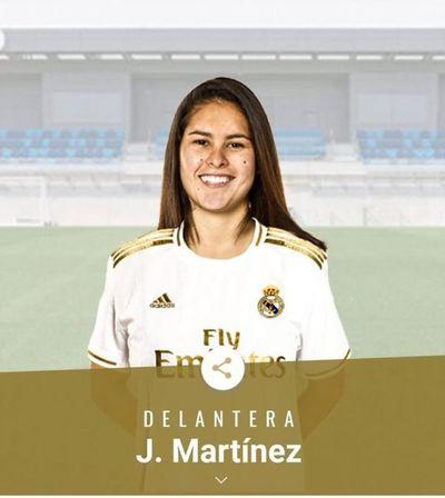 """¡Paso histórico! """"Pirayú"""" Martínez se convirtió en jugadora del Real Madrid"""
